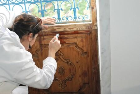 Restauration du bois au palais Ennejma Ezzahra